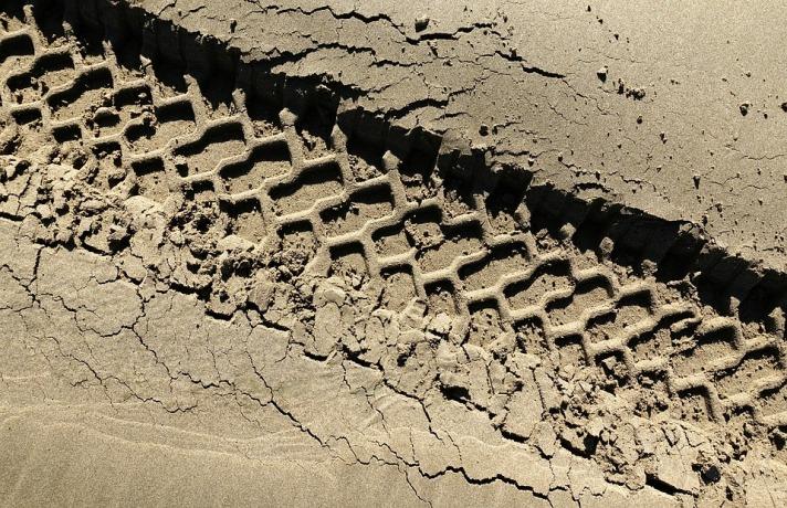 tire-2211379_960_720